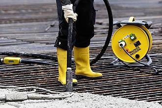 Уплотнение и обработка бетона